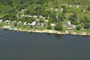 Aerial view of the Barra de São Manoel community; WWF-Brazil develops conservation projects in this place since 2013